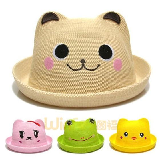 儿童动物草帽 今天小编介绍的是几款卡通动物的草帽,这款帽子一个磨具做出来的,但是通过更换不同的帽身颜色和装饰,它就成了很多款不同的小动物形象草帽了,米白色的是小狗,粉红的是小猫咪,绿色的是小鸭子,黄色的小黄鸭,这些小动物都活灵活现很生动,使这些儿童草帽更加可爱,更加受小朋友的欢迎。 这些儿童草帽图案都是绣花上去的,所以一般都不会掉色,更不会对小孩子的健康产生影响哦。  ——责任编辑:勇发服饰 Nancy 版权所有:http://www.